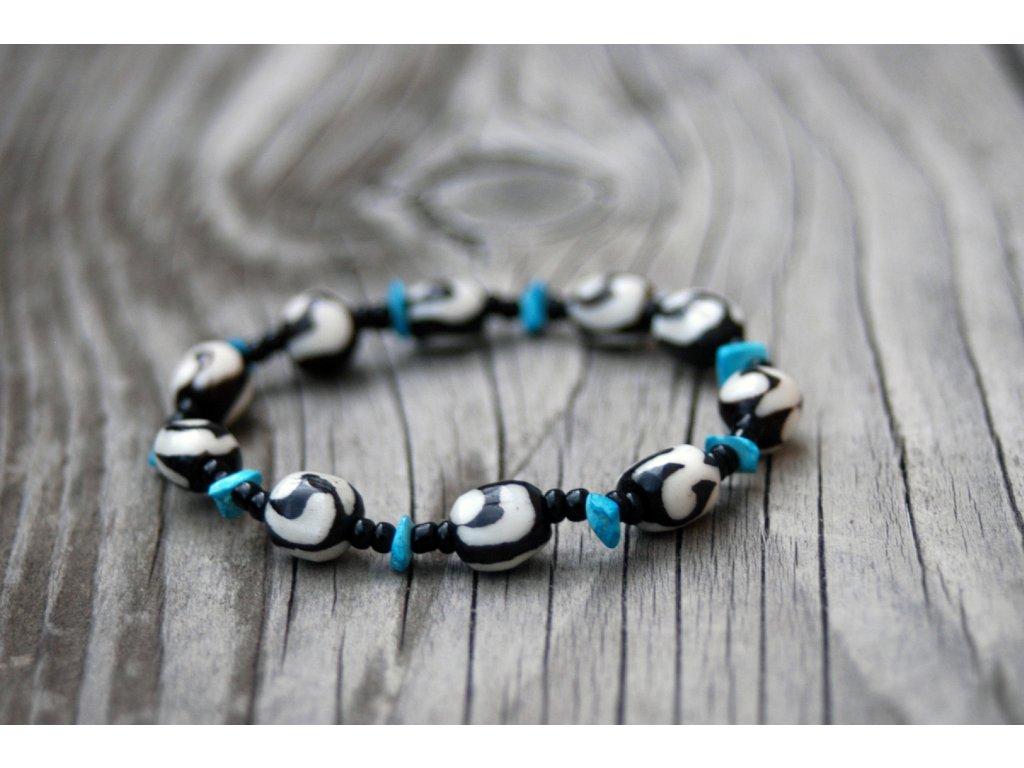 Náramek s modrými kamínky