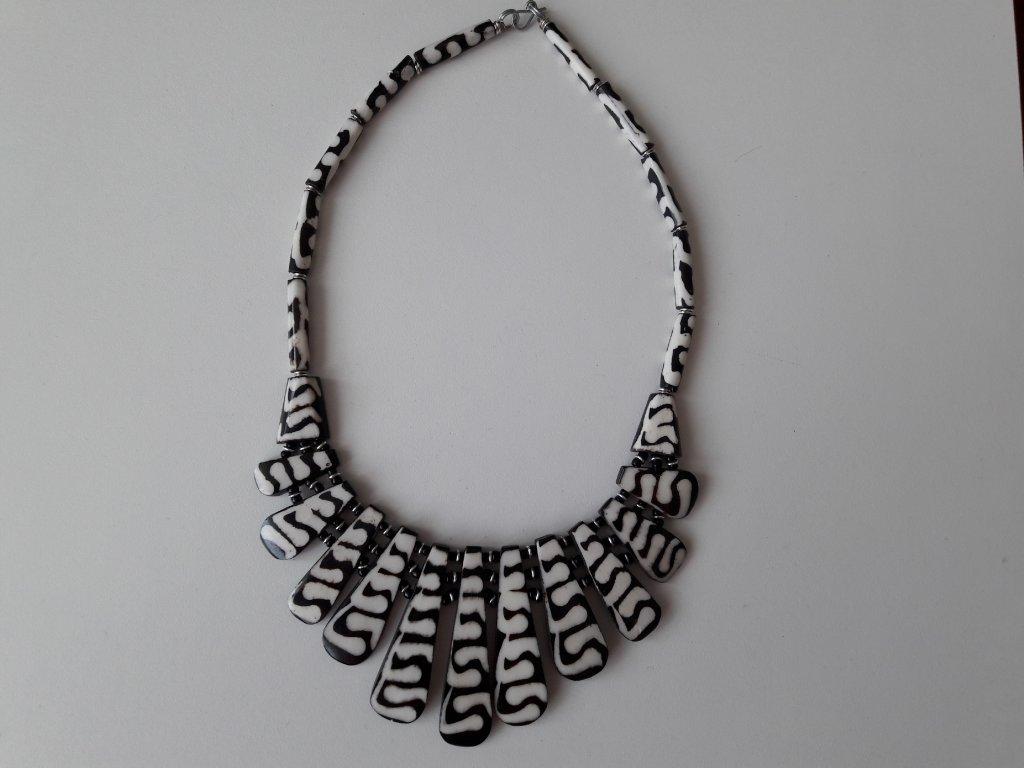 Kostěné náhrdelníky