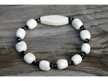 Náramek s bílými kamínky