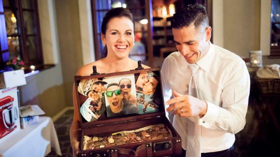 Peníze novomanželům: jak je předat originálně?