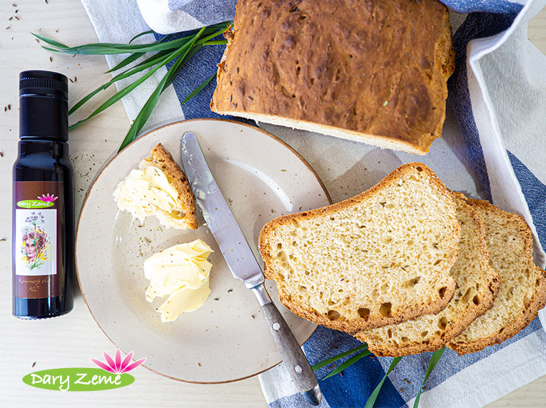 Domácí chléb s kmínovým olejem