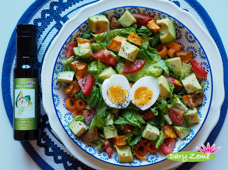 Salát s avokádem a pečenými batáty