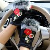 49580 damske zimne rukavice s kozusinkou a1