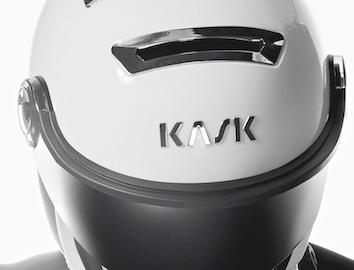 lyžařské helmy s visorem Kask, lyžařské helmy Combo a brýle Koo, visory, slunenčí brýle,