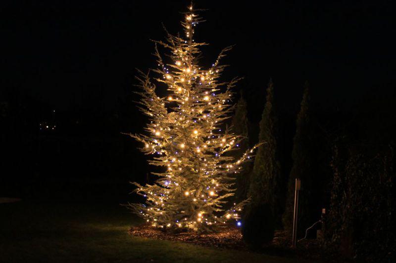 Vianočné osvetlenie na stromček vonkajšie