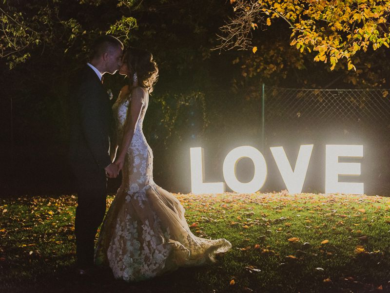 love-signs-wedding