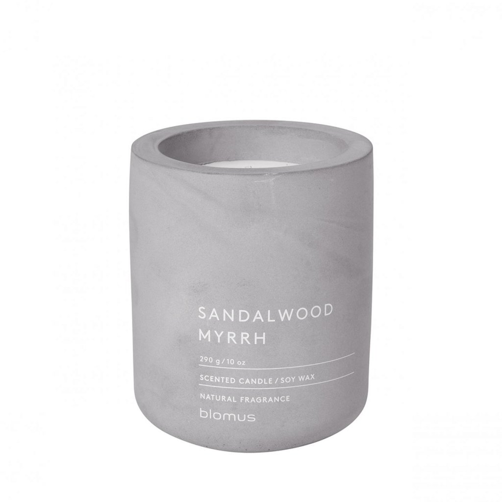 Svíčka M - santalové dřevo a myrha (FRAGA) - Blomus