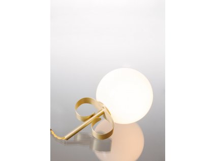 Yulin Huang Pearlr earring lamp