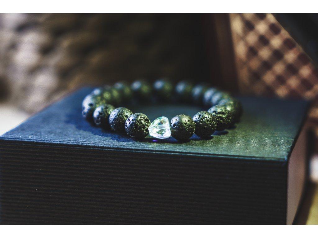 Dámský náramek z lávových kamenů se srdcem Swarovski