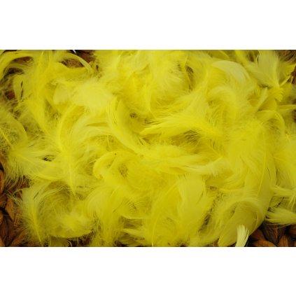Peří 5g barva žlutá