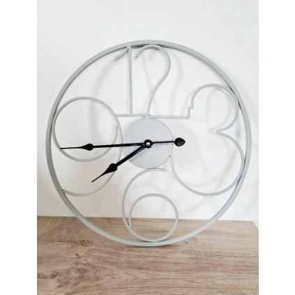 Kovové hodiny Saint Michelle