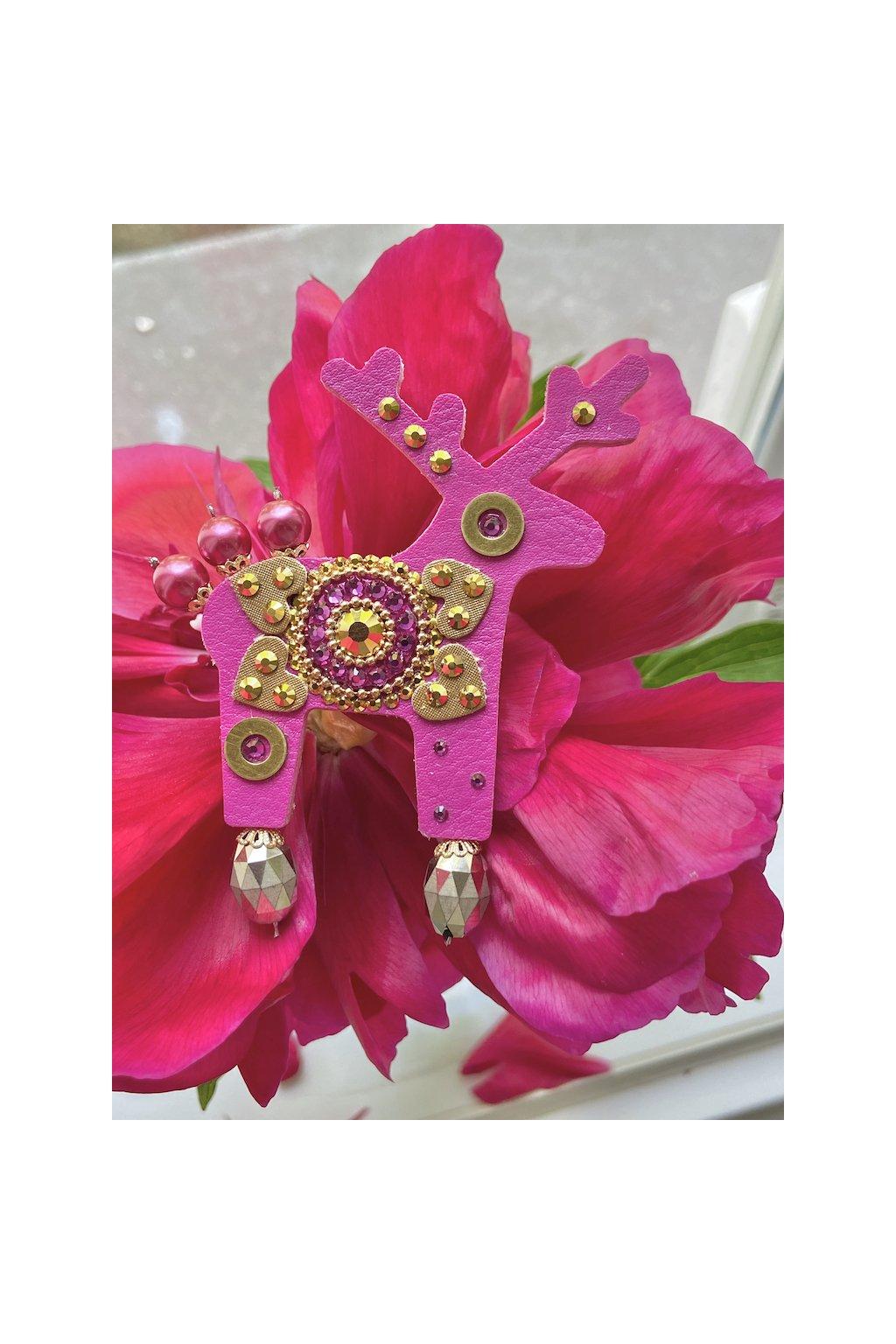 Fialová jelení brož
