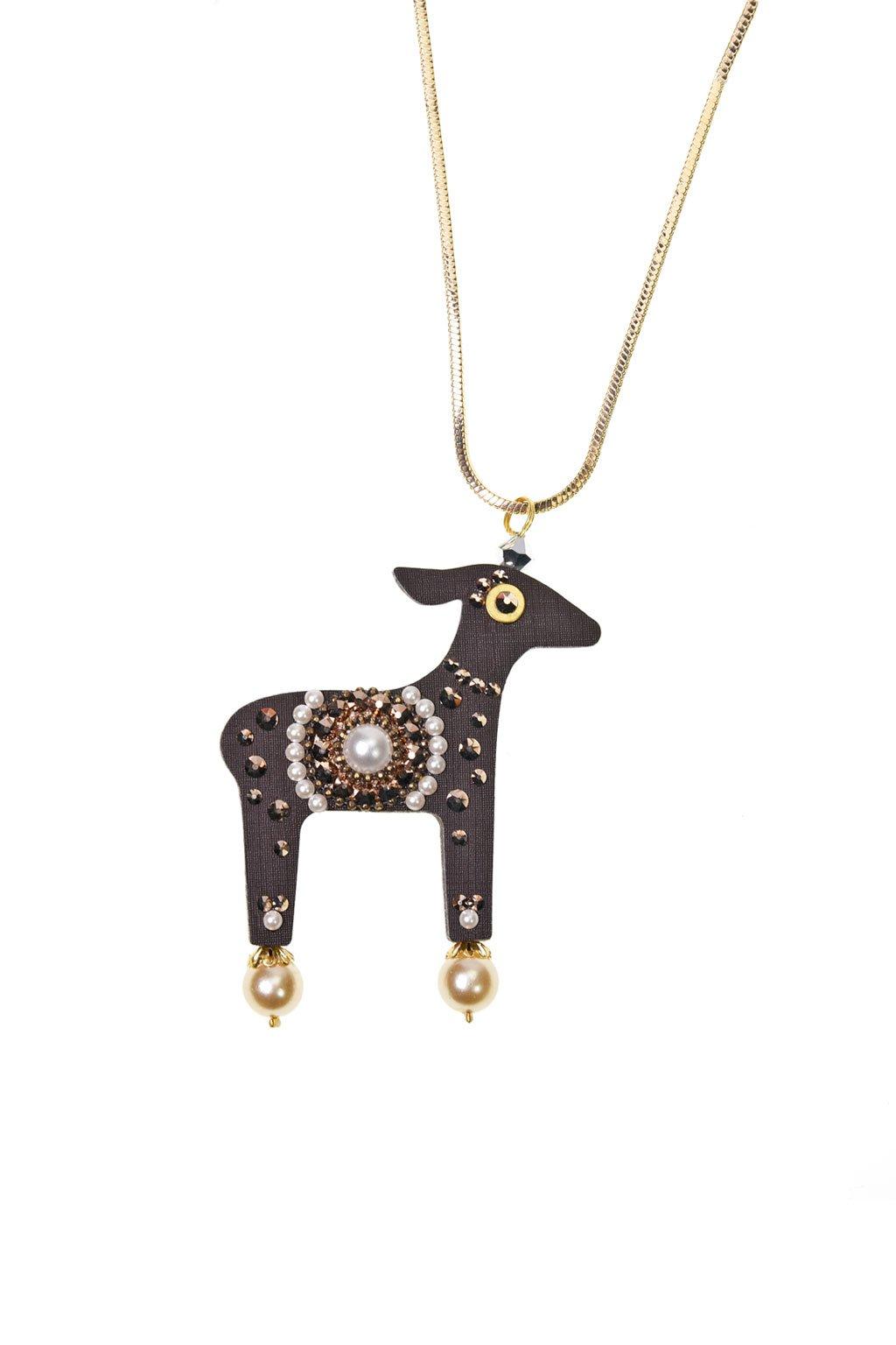 Bílý náhrdelník s laní