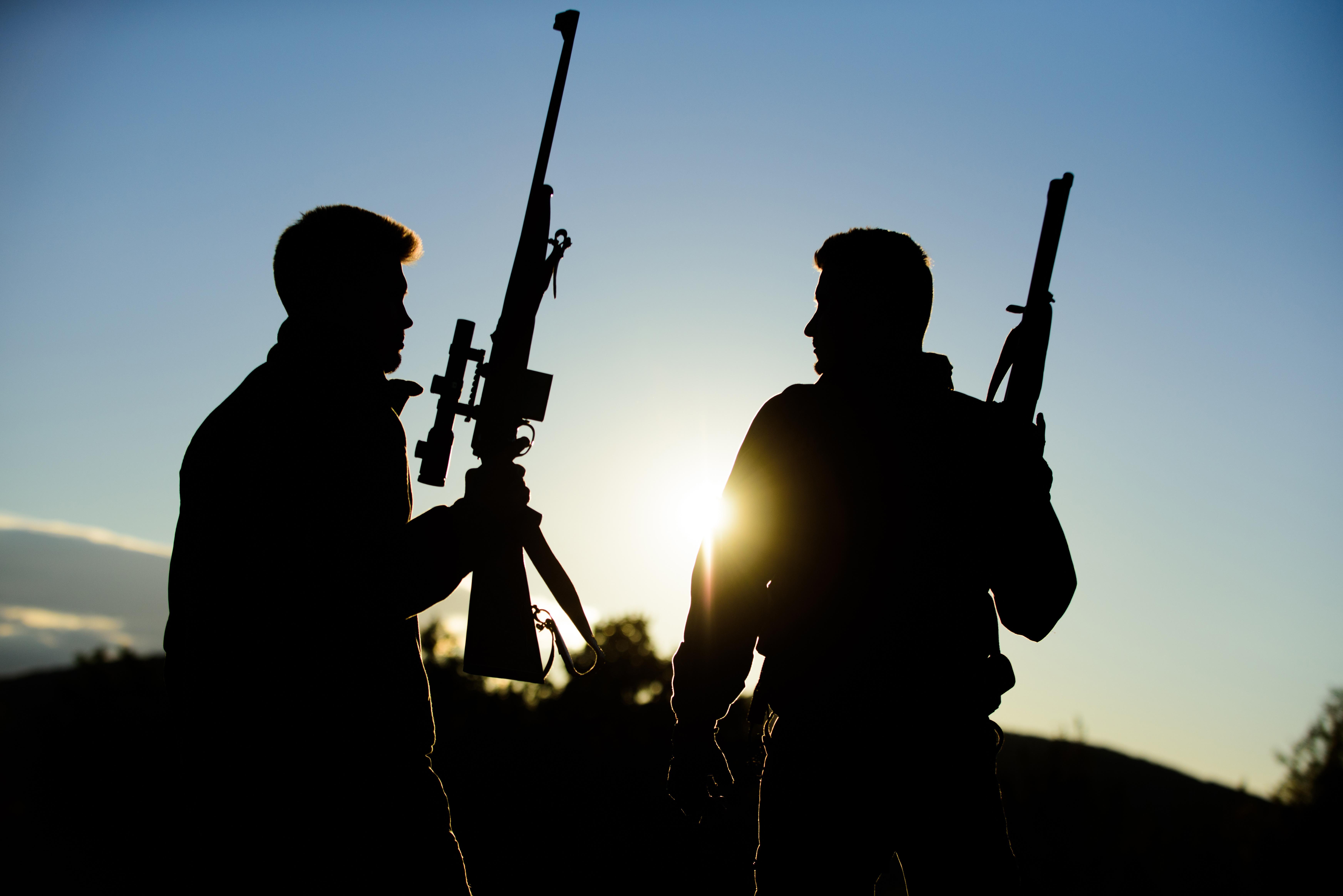 Dva lovci s termovizí