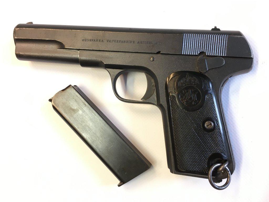 Pistole samonabíjecí Husqvarna M 1907, 9 mm Browning Long