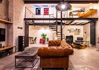 Loftový byt v industriálním pojetí