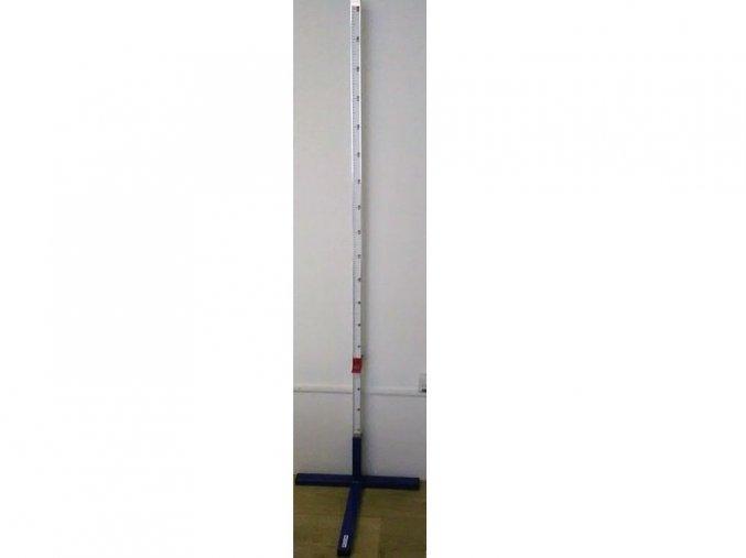 Skolske hlinikove stojany pre skok do vysky–podstavec v tvare T 1