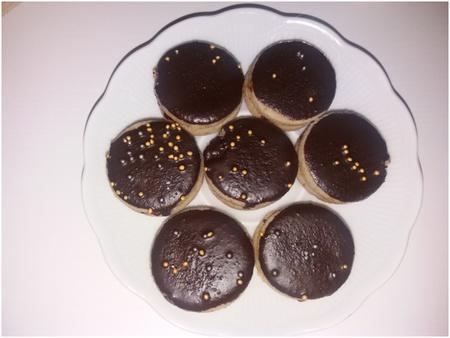 Bezlepková pohanková kolečka s kokosovým olejem a čokoládou