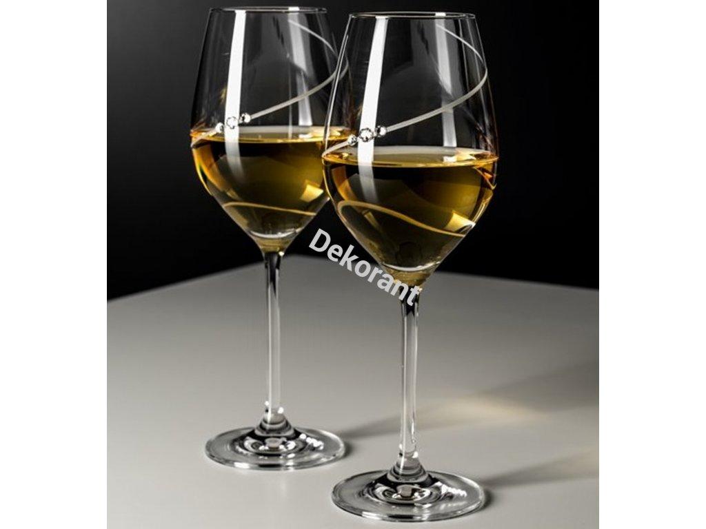 silhouette biele vino par kalichov