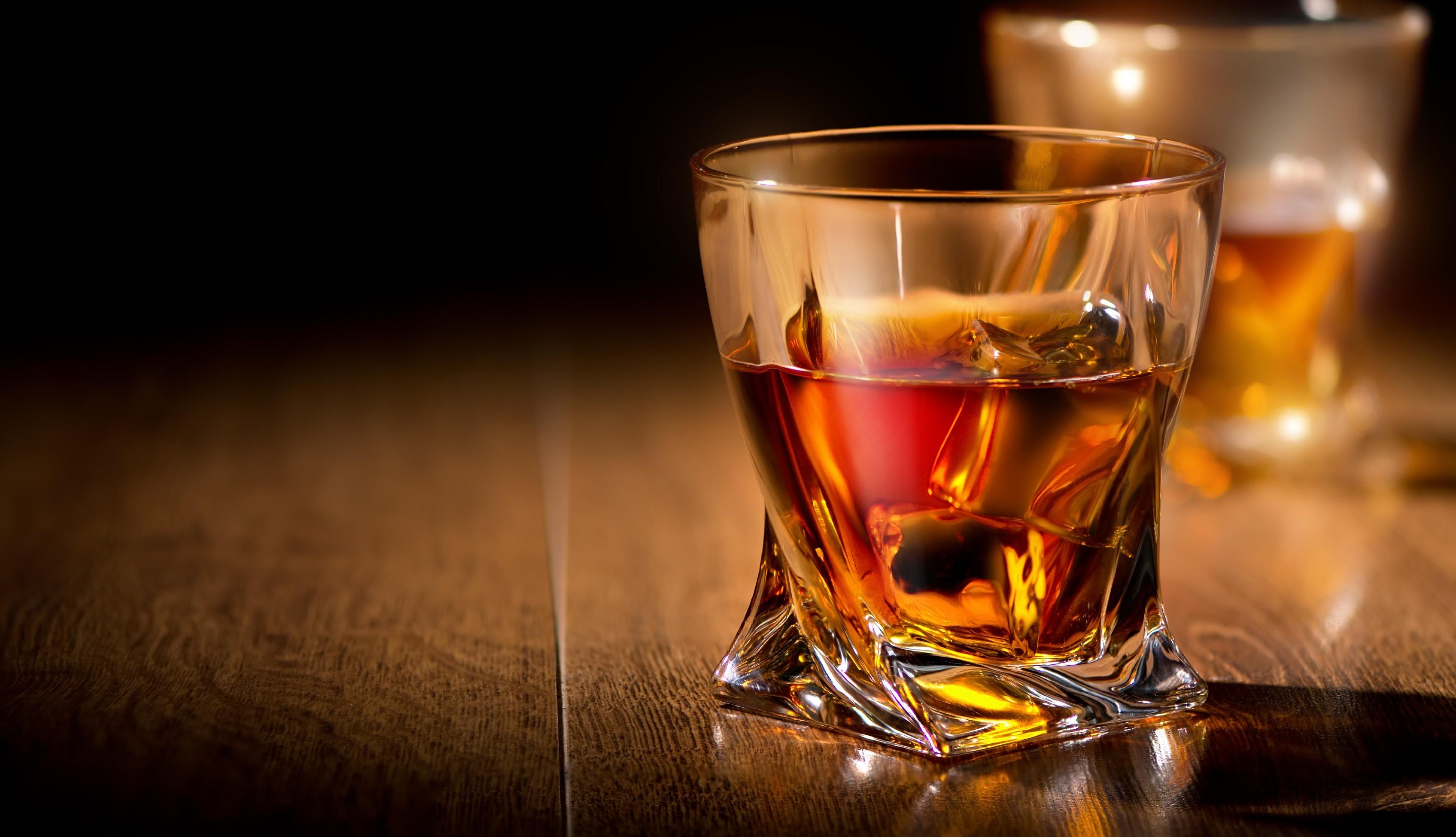 Crystalite Bohemia sklenice na whisky Quadro 340 ML, 1 KS