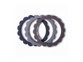 Mushie náramkové hryzátko zo silikónu FLOWER Steel / Dove Gray / Stone