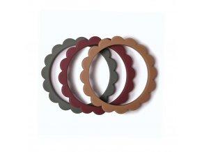 Mushie náramkové hryzátko zo silikónu FLOWER Dried Thyme / Berry / Natural
