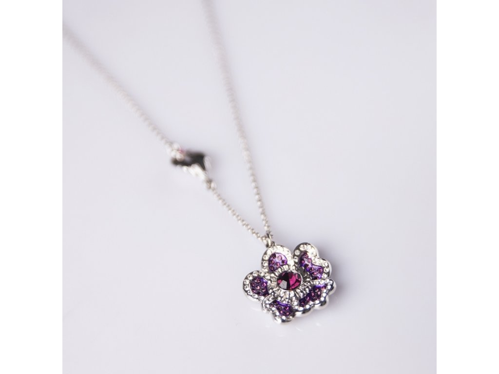 delishka petra toth privesok fialovy kvet