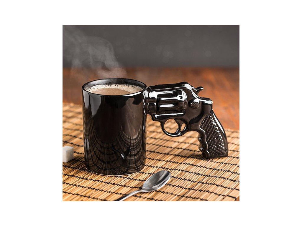 Hrnek-revolver-na-Deminas