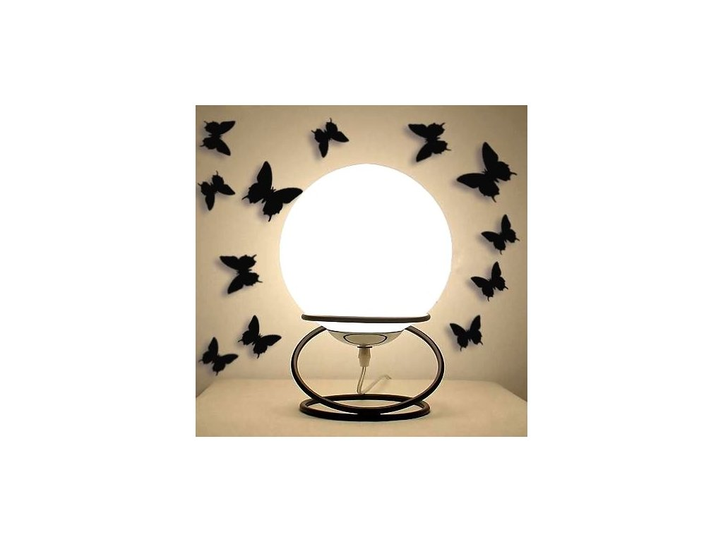 3D-motylci-na-zed---cerna-na-Deminas