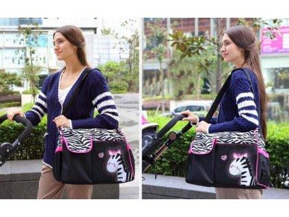 Taska-pro-maminky---ruzova-zebra-na-Deminas