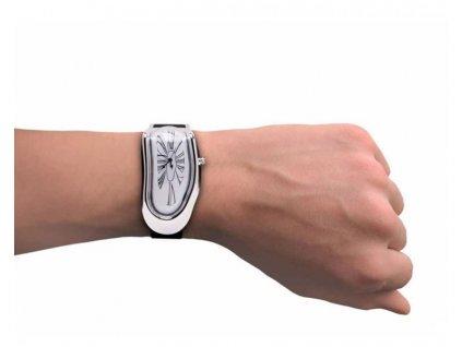 Tekouci-hodinky-na-Deminas