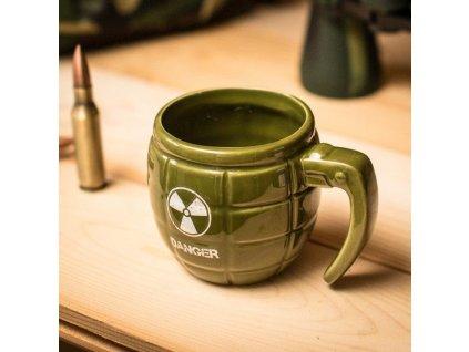 Hrnek-ve-tvaru-granatu---zeleny-na-Deminas