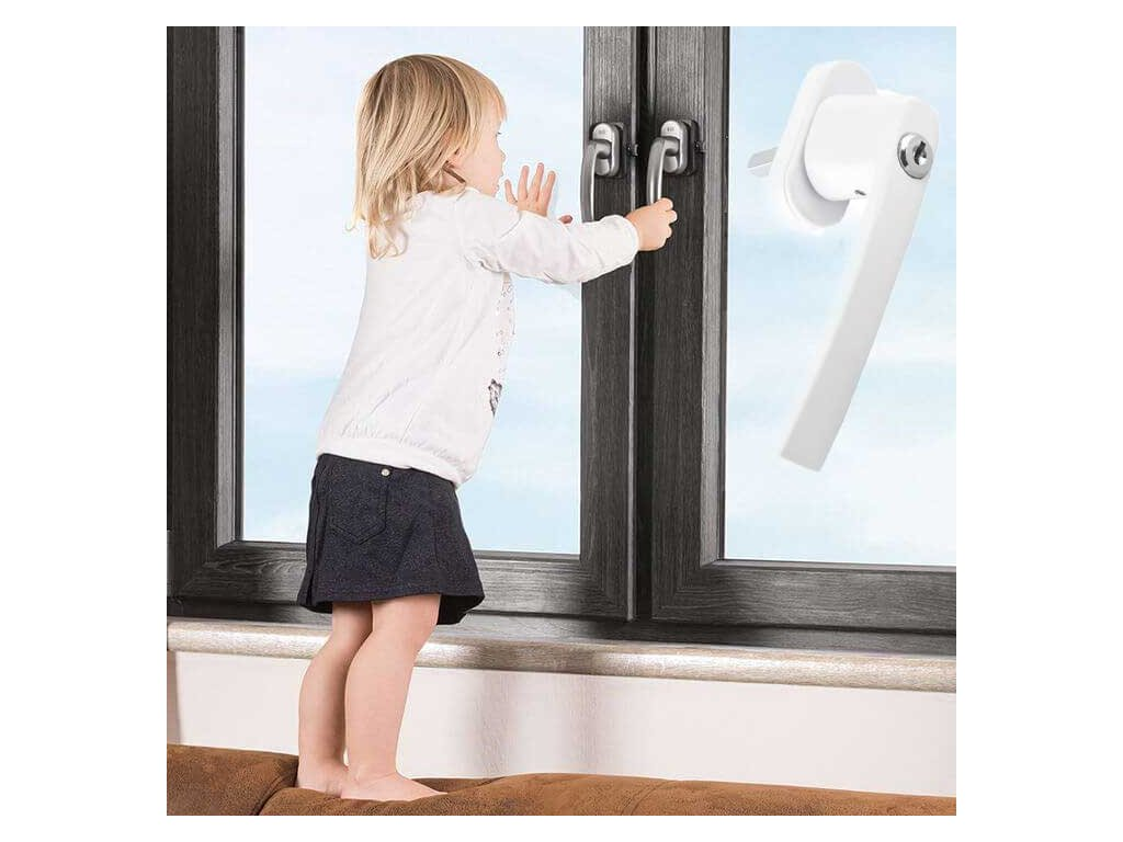 klucka na okna so zamkom