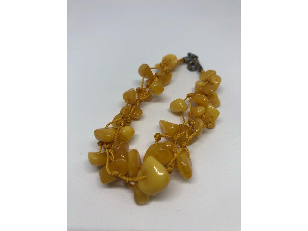 Náramok zo žltých kamienkov