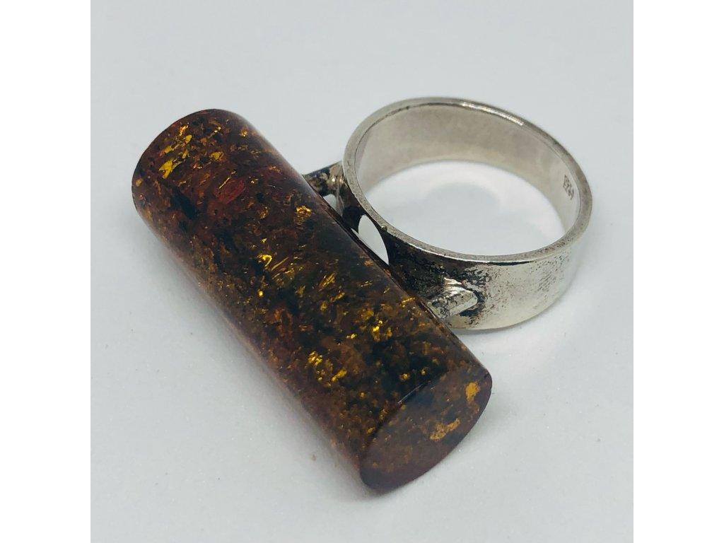 Prsteň s valcovým kameňom 1