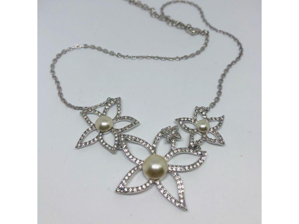 Strieborná dámska retiazka s kvietkami ,kamienkami a perličkami