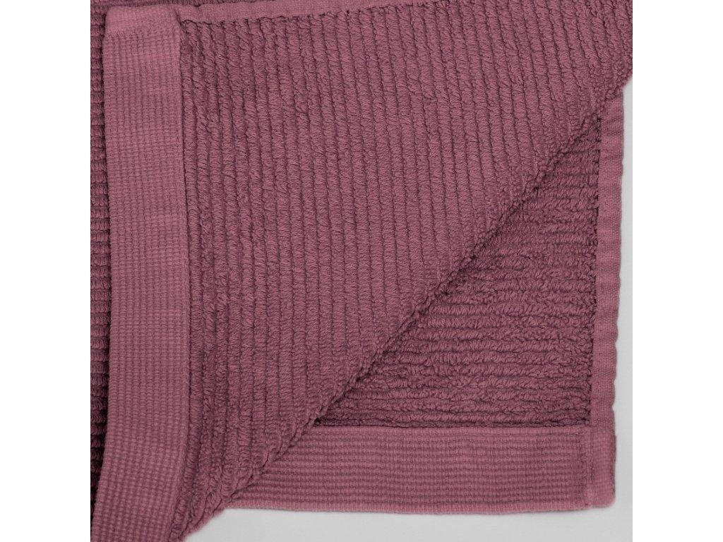 Velký bordový bavlněný ručník LaForma Miekki