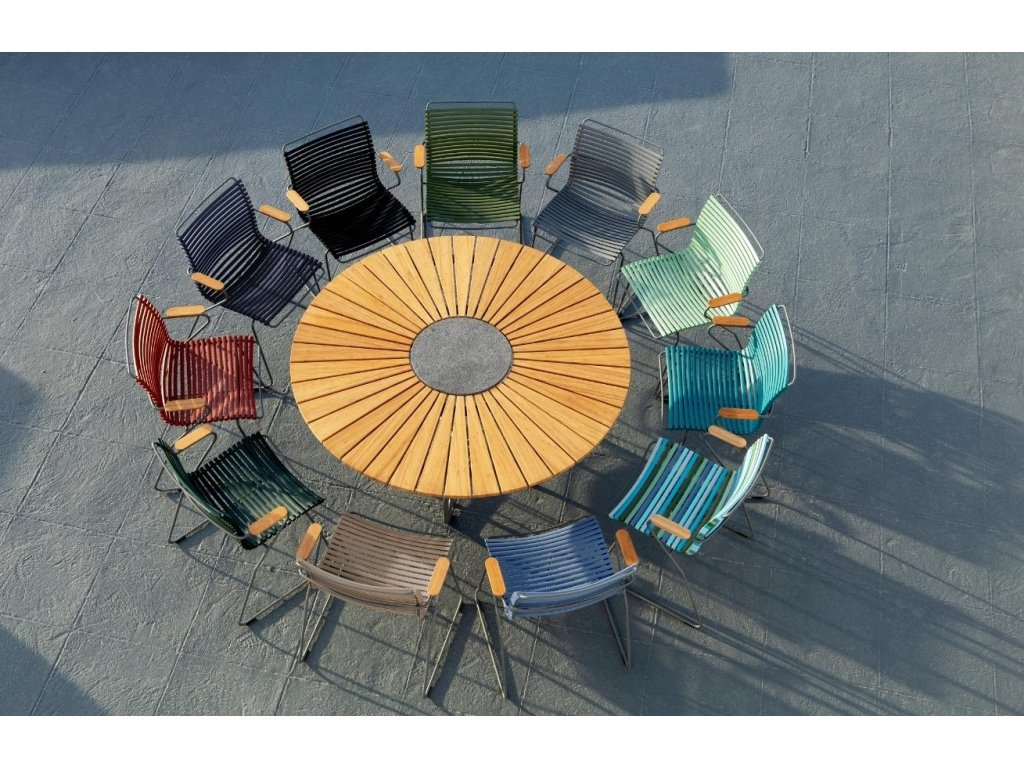 Černá plastová zahradní židle HOUE Click s područkami s kovovou podnoží