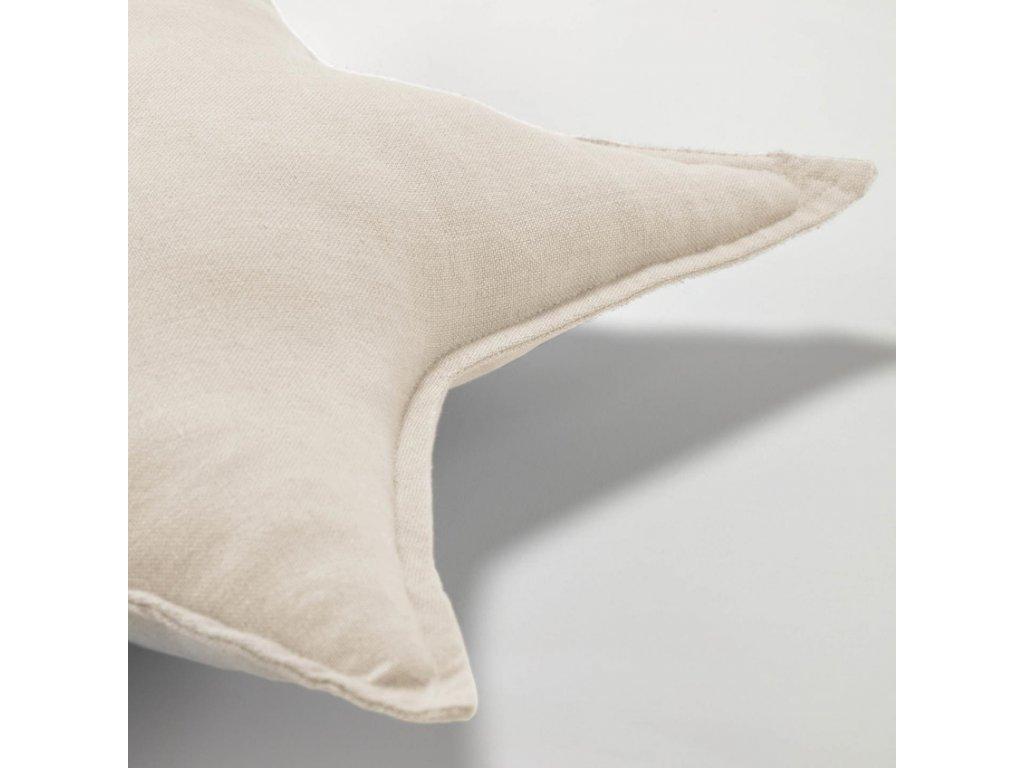 Béžový polštář LaForma Noor ve tvaru hvězdy 44 x 30 cm