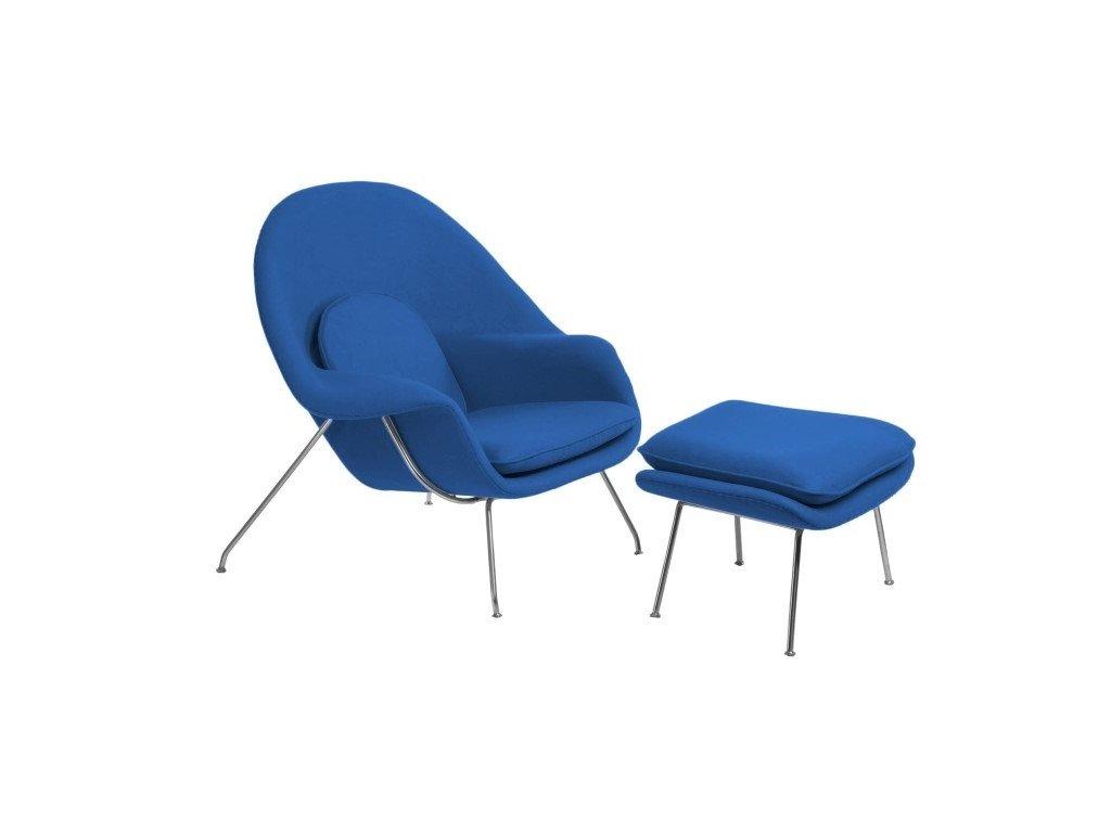 Designové modré čalouněné křeslo Nug s podnožkou