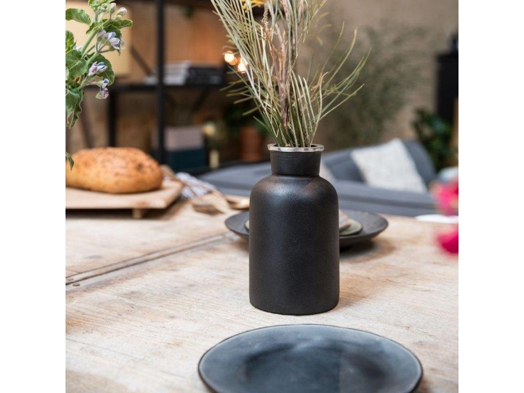 Černá váza ZUIVER FARMA 20 cm