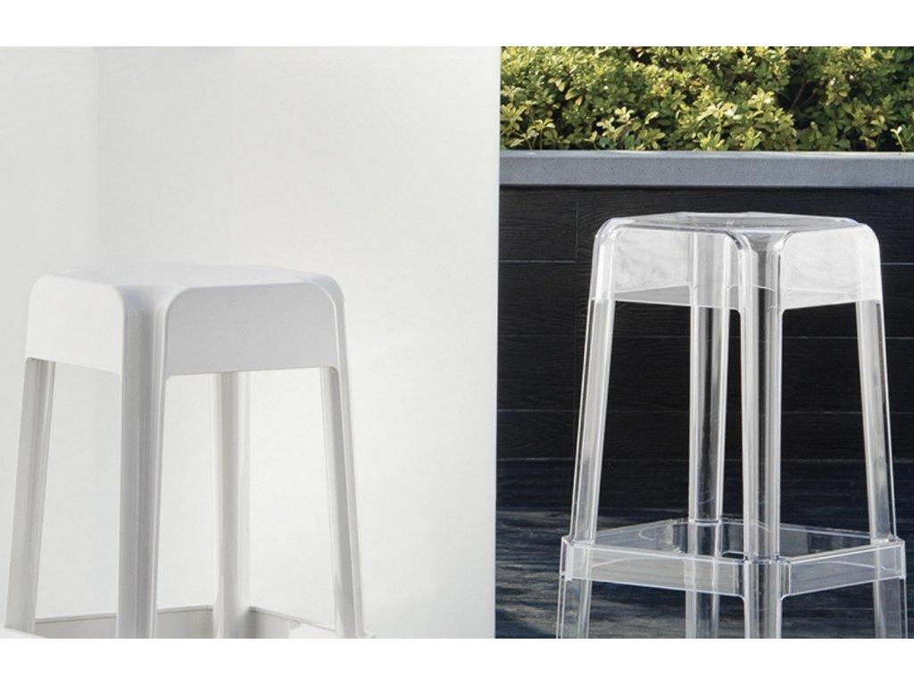 Bílá plastová barová židle Rubik 582