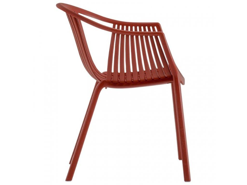 Červená plastová jídelní židle Tatami 306