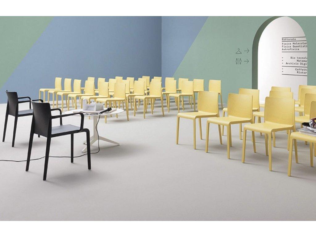 Žlutá plastová židle Volt 670
