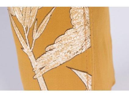 Látkové čalouněné křeslo s květinovým vzorem Bold Monkey Princess have feelings too, zlatá barva
