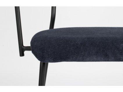 Tmavě modrá čalouněná židle ZUVIER Benson s područkami