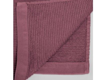 Malý bordový bavlněný ručník LaForma Miekki