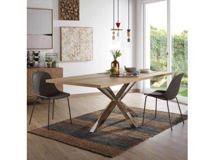 Tmavě šedá plastová jídelní židle LaForma Quinby s kovovou podnoží