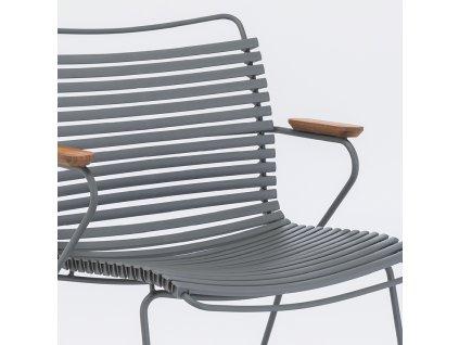 Šedá plastová zahradní židle HOUE Click s područkami s kovovou podnoží