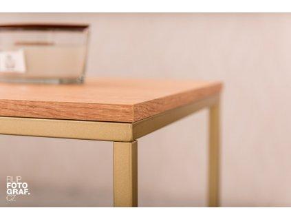 Dubový konferenční stolek FormWood Villa 50 x 50 cm s matnou zlatou podnoží